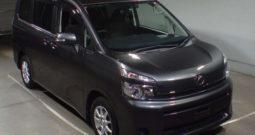 2012 TOYOTA VOXY XL