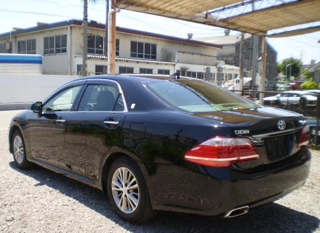 2012 TOYOTA CROWN ROYAL SALOON full