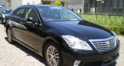 2012 TOYOTA CROWN ROYAL SALOON