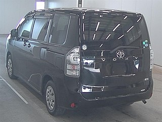 2013 TOYOTA VOXY XL full